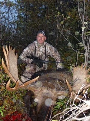 Shane Madsen with Silsby Lake bull Moose